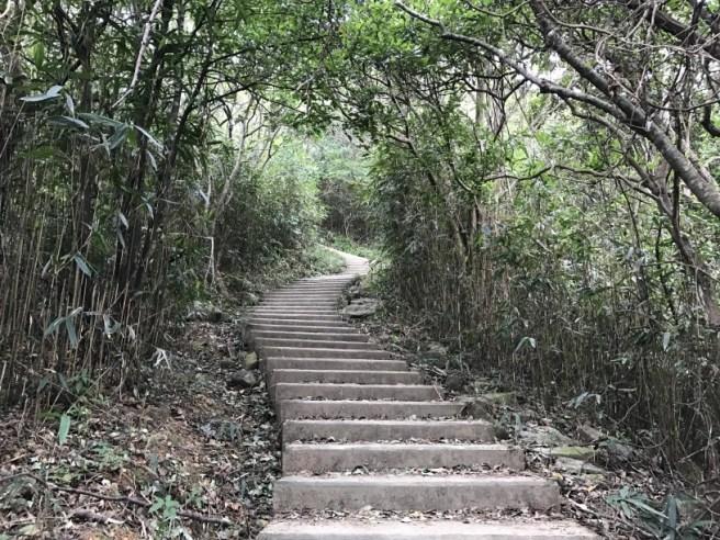 hiking-1-1-17-pyramid-hill-4