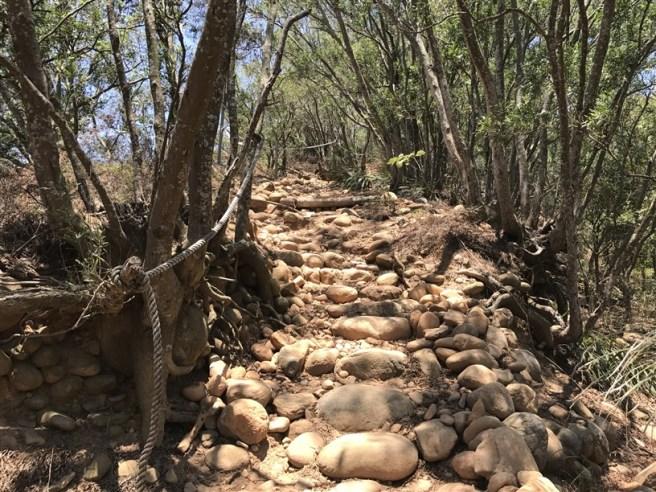 Hiking 16.6.2018 Huoyanshan (12)