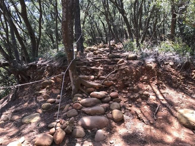Hiking 16.6.2018 Huoyanshan (31)