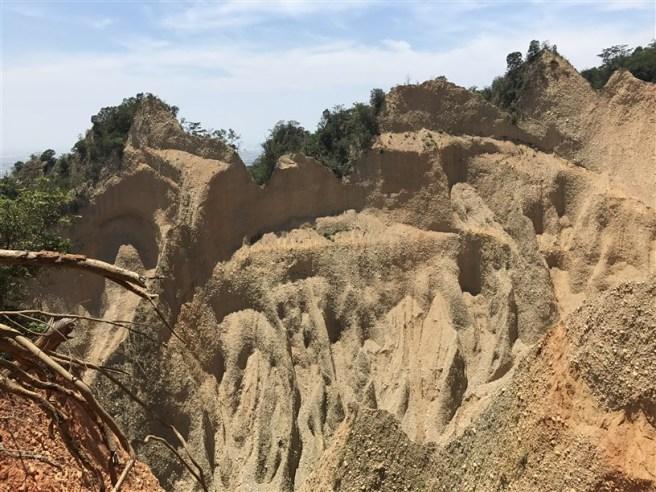 Hiking 16.6.2018 Huoyanshan (33)